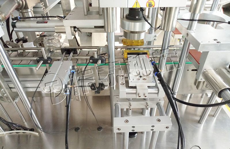 酱料灌装旋盖一体化生产线